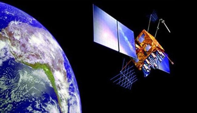 ايران تطلق ثلاثة أقمار صناعية محلية الصنع.