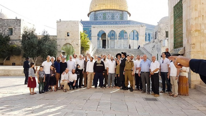 اكثر من 120 مستوطنا صهيونيا يدنسون المسجد الأقصى المبارك