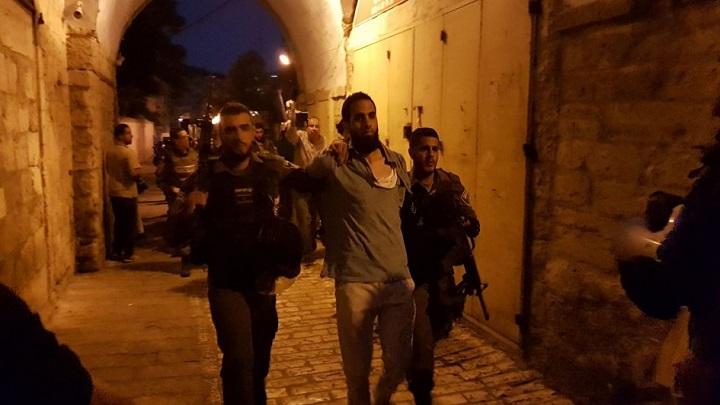 العدو الصهيوني يعتقل 21 فلسطينيا في الضفة ويصادق على بناء 8 مستوطنات